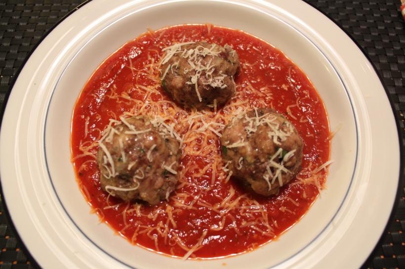 baked meatballs & tomato sauce