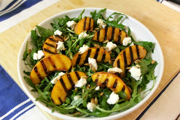Grilled peach, arugula & goat cheese salad